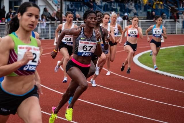 nicolas hoizey Lno6 CxVXgo unsplash - Wie an einem Marathon oder Lauf teilnehmen?